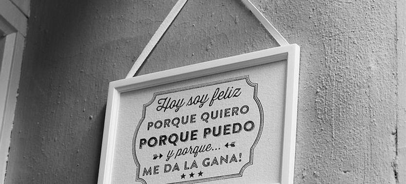 Vinilos decorativos con frases en español para casas
