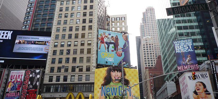 Impresiones de gran formato en lonas publicitarias para empresas