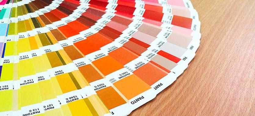 Qué es un pantone de colores y qué impacto tiene