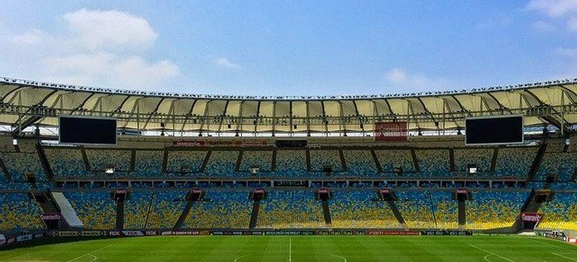 Lona para centro del campo de un estadio de fútbol