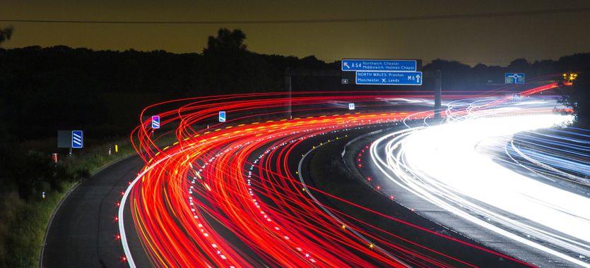 Cómo se diseñan los carteles de publicidad en carreteras